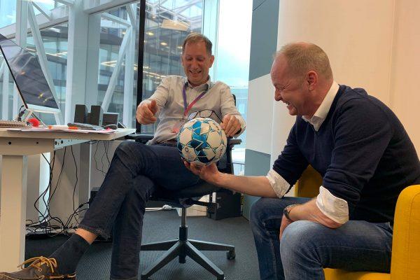 På sidelinjen med Johnny og Hans: Uvanlige tips til FPL runde 23